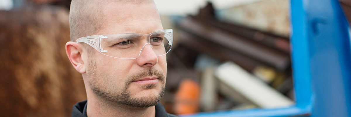 3M SecureFit safety glasses