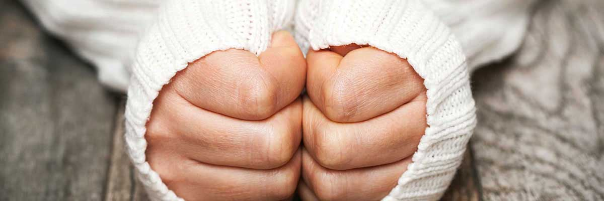 5 Tips to Keep your Hands Warm for Outside Work