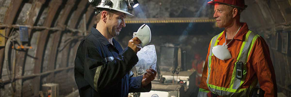 Mining gas detectors: protection against NO2 and HCN