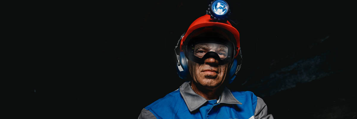 A Clear Approach to Safety:  How Abom HEET Revolutionized Fog-free Goggles