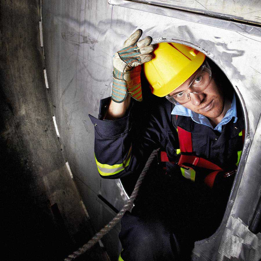 Issuing a confined space work permit